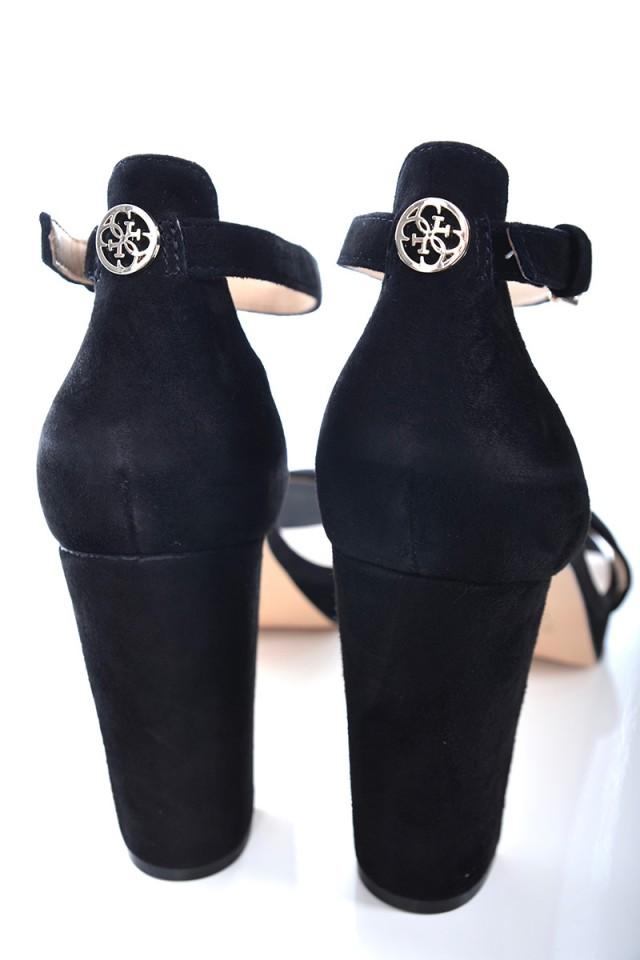 Sandały na słupku VELVET BLACK GUESS