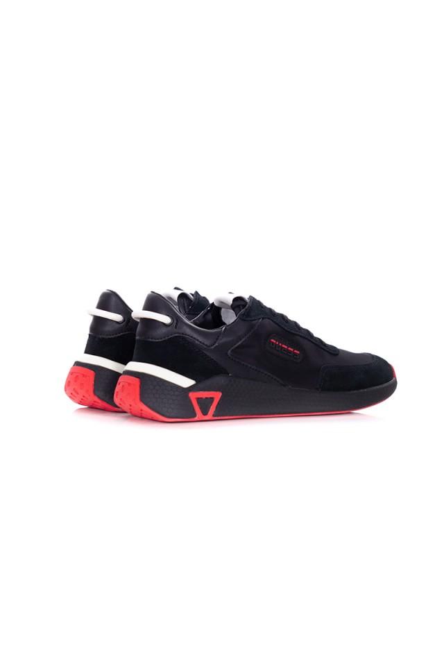 Sneakersy czarne z logo GUESS