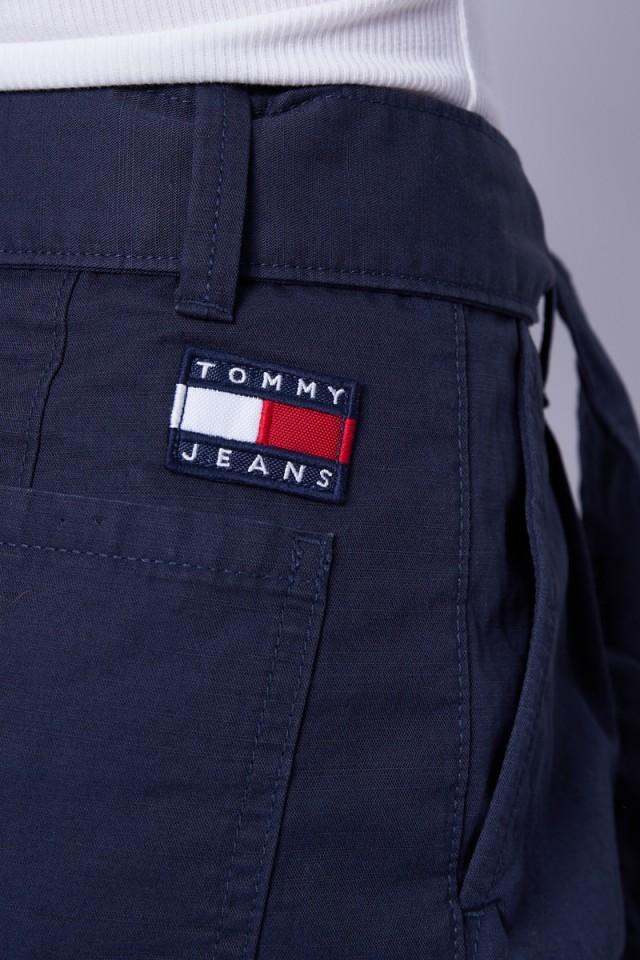 Szorty materiałowe z paskiem TOMMY JEANS