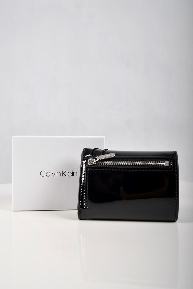 4385b2ba8fbd7 Calvin Klein Portfel damski. Kolor czarny - Butik Online MAICON