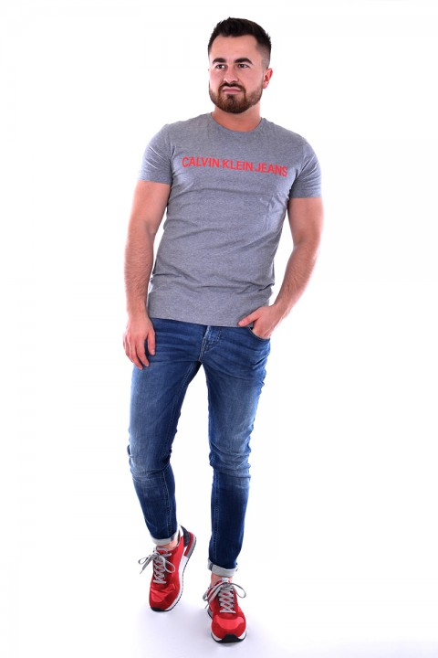 beaa22485691d ... T-shirt INSTITUTIONAL GREY CALVIN KLEIN JEANS ...