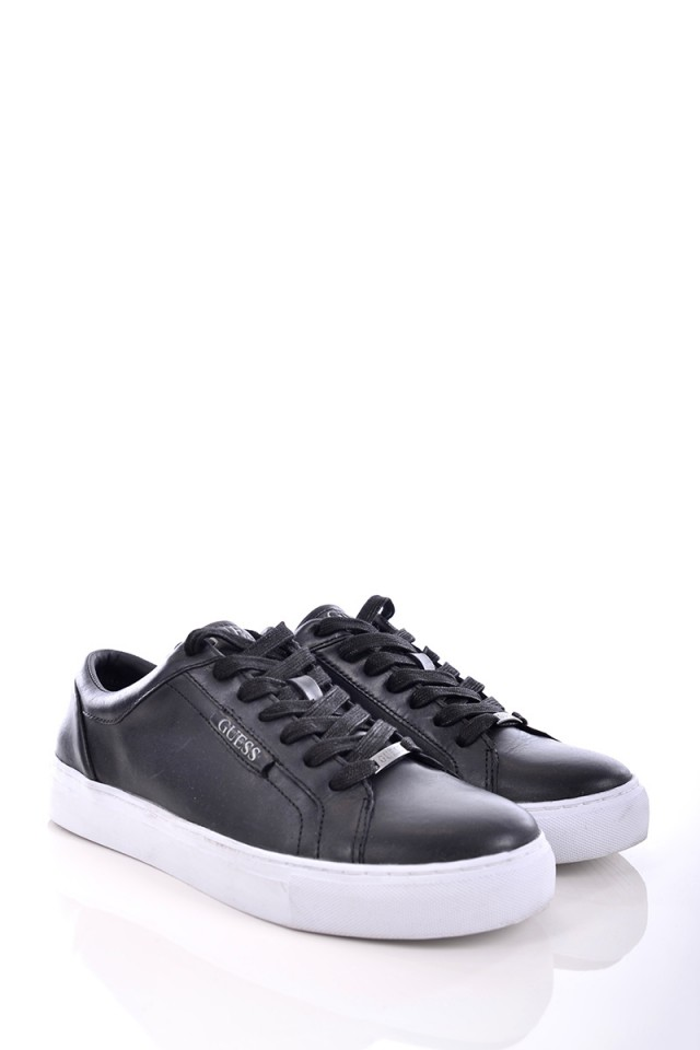 Sneakersy LARRY BLACK GUESS